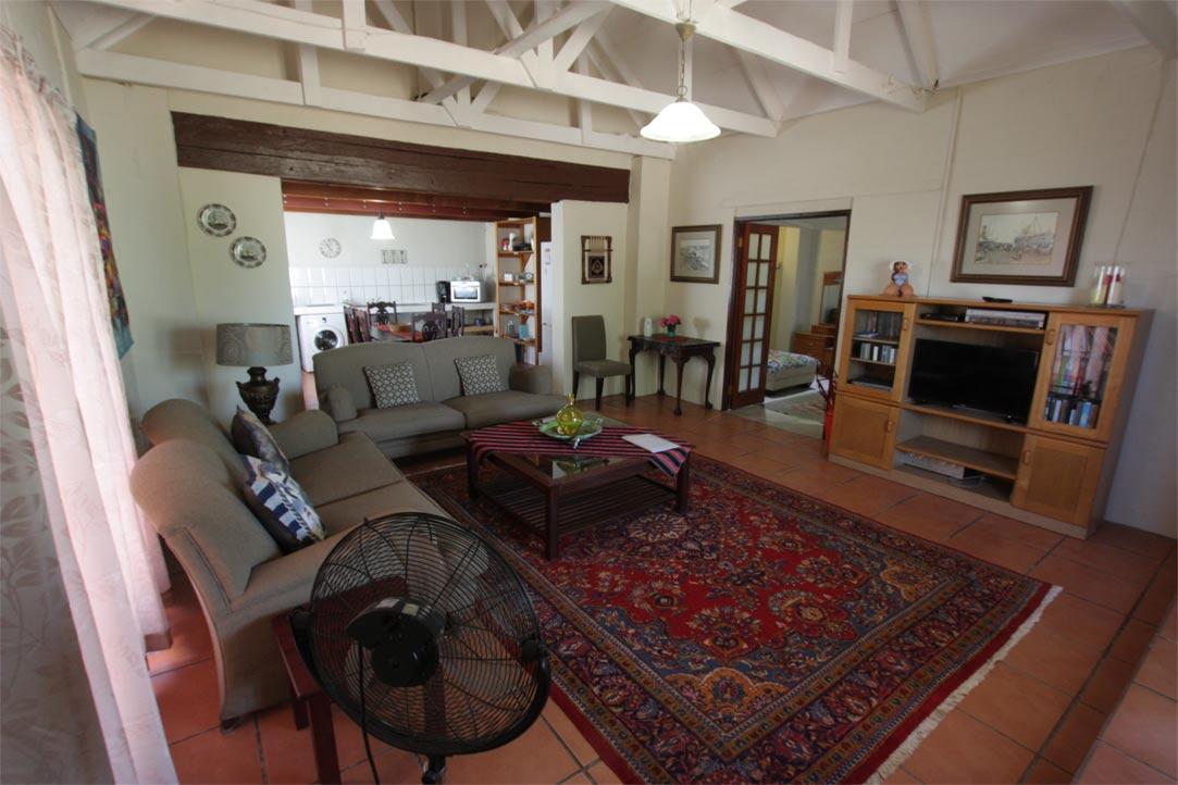 room6-lounge